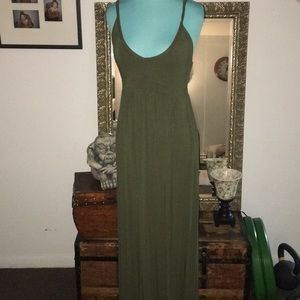 OLD NAVY olive strappy maxi Small